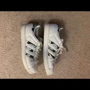 Size 9 superstars